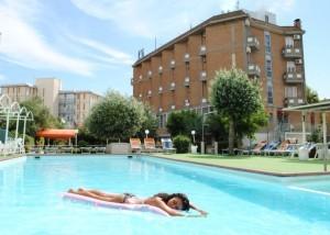 family-hotel-marina-beach-lido-adriano